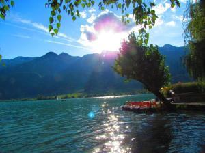 Wie wär's mit einer romantischen Tretbootfahrt am Kalterer See?