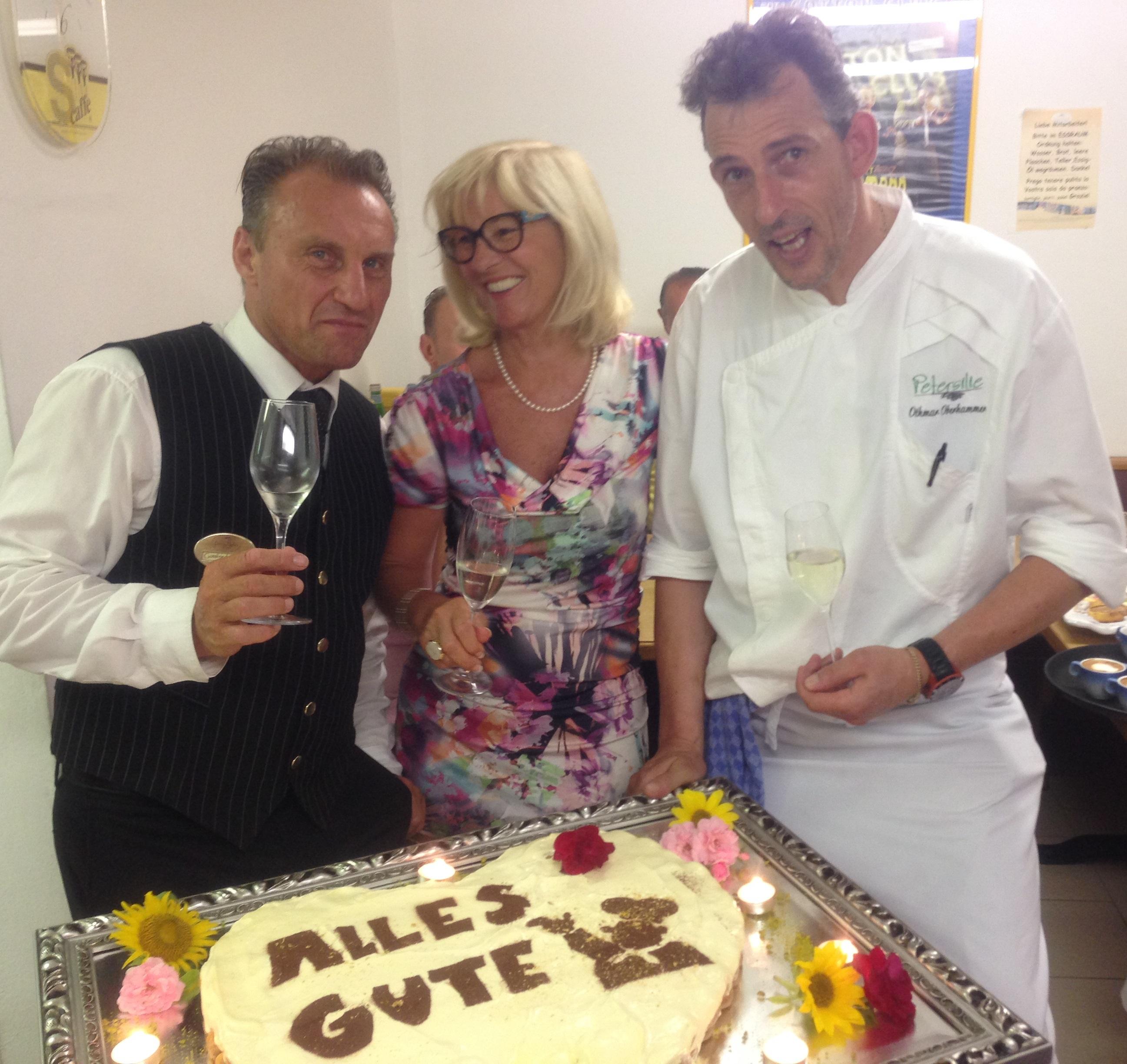 Servicechef Gottfried und Frau De Carli gratulieren!